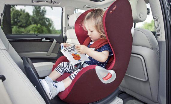 Автокресло всегда позаботиться о детях в дороге