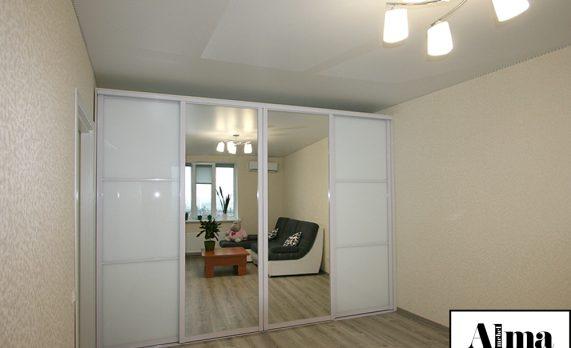 Встроенный шкаф-купе, как предмет необходимой мебели и ценный подарок